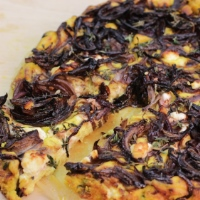 Recipe of Red Onion and Goat Cheese Tofuttata