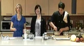 Image of Amy Lu guest hosting ELLICSR Kitchen class