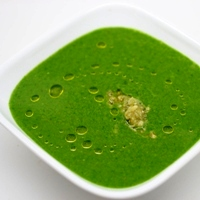 Image of the Recharge Green Soup with Spinach & Cashews