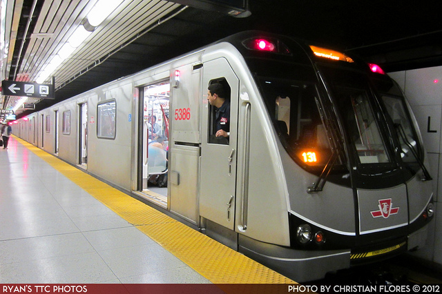 Image of a subway train by R. Flores
